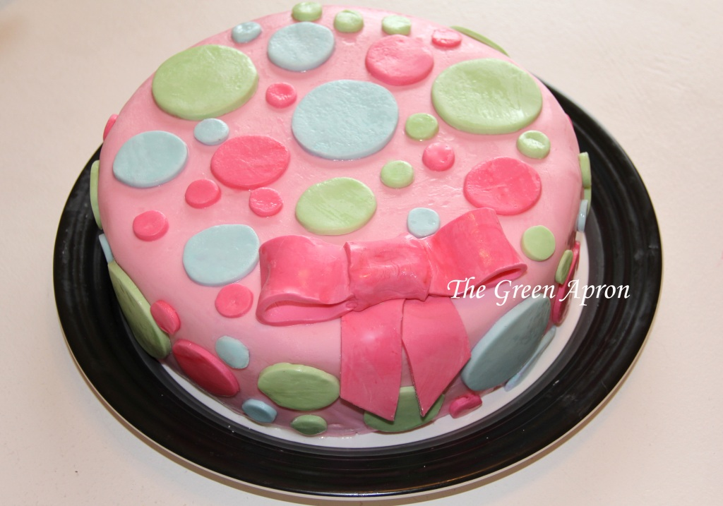 Cake decorated with marshmallow fondant