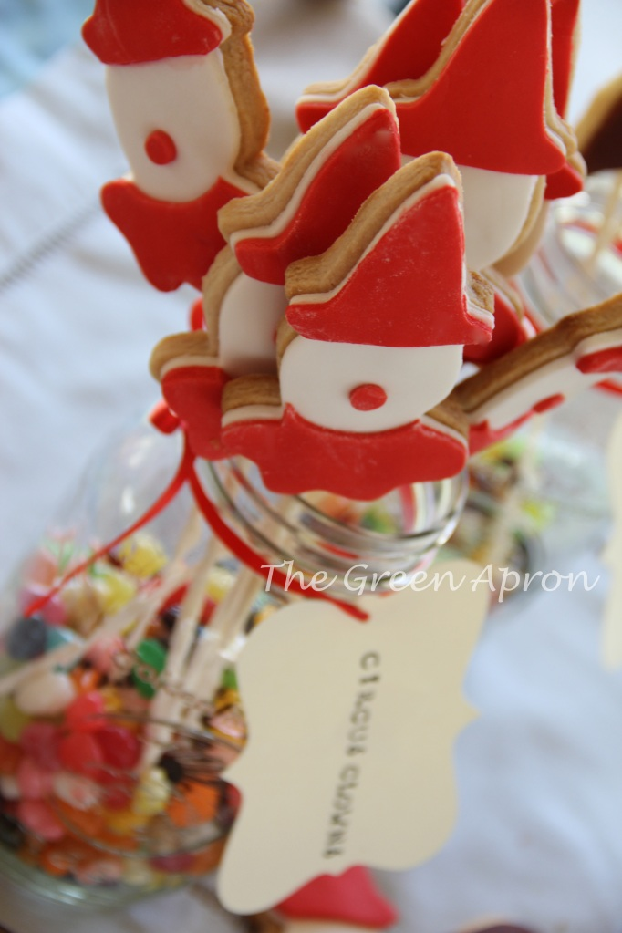 Circus Clown Cookie Pops: Strawberry Shortbread Cookies with fondant